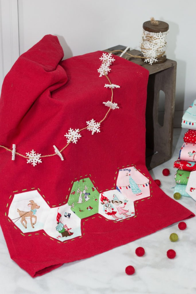20+ Christmas Sewing Projects featured by top US craft blogger, Sweet Red Poppy: Sweet Red Poppy Christmas Hexie English Paper Piecing Tutorial Hand Towel