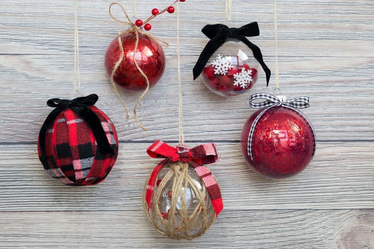 Easy Ways To Decorate Clear Plastic Ornaments For