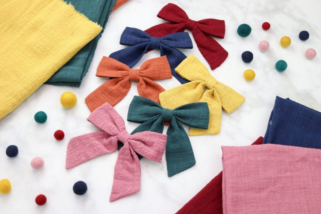 DIY Hair Bows Tutorials featured by top US craft blogger, Sweet Red Poppy.