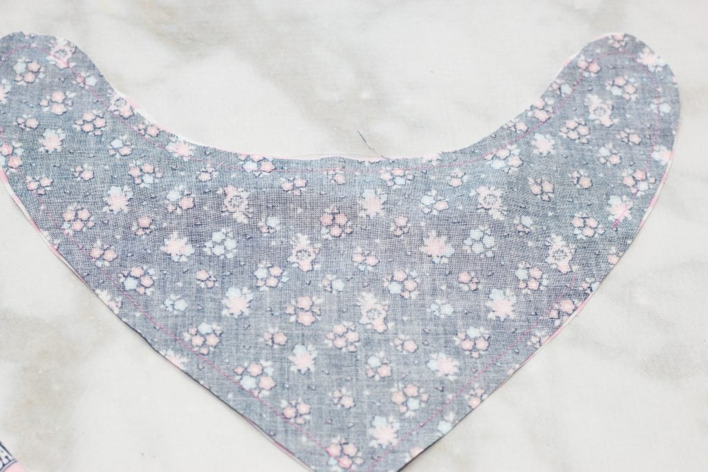 How to Make Bandana Bibs for Babies featured by top US sewing blog, Sweet Red Poppy: Easy Baby Patterns to Sew for Free