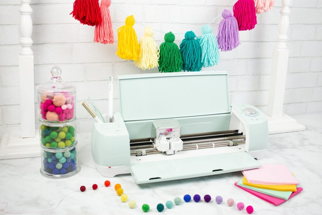 Cricut Maker vs Explore Air 2 review: Which Machine to Buy, a review featured by top US craft blog, Sweet Red Poppy: Cricut Explore Air 2 can cut Vinyl, Heat Transfer Vinyl, Paper, Cardstock, Leather, Felt and Draw.