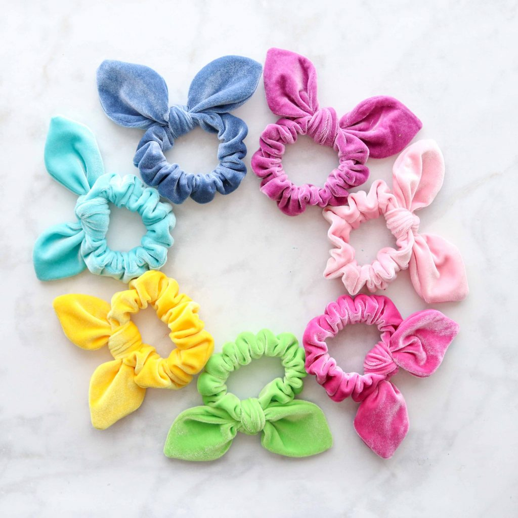 How to Make A Scrunchie, a free sewing pattern by top US sewing blog, Sweet Red Poppy