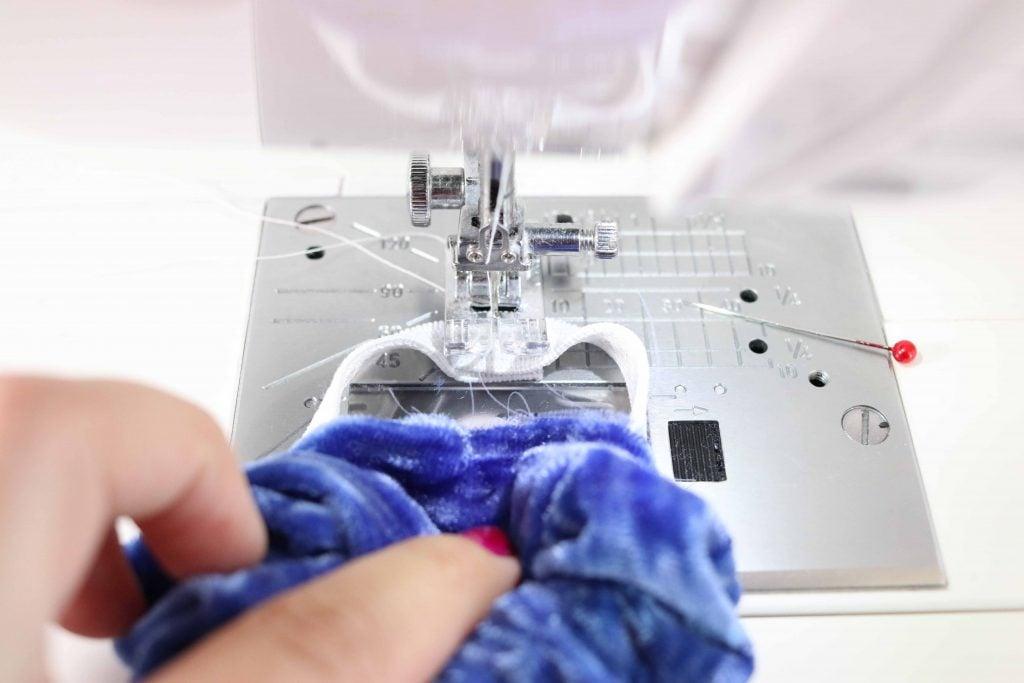 Sew a scrunchie