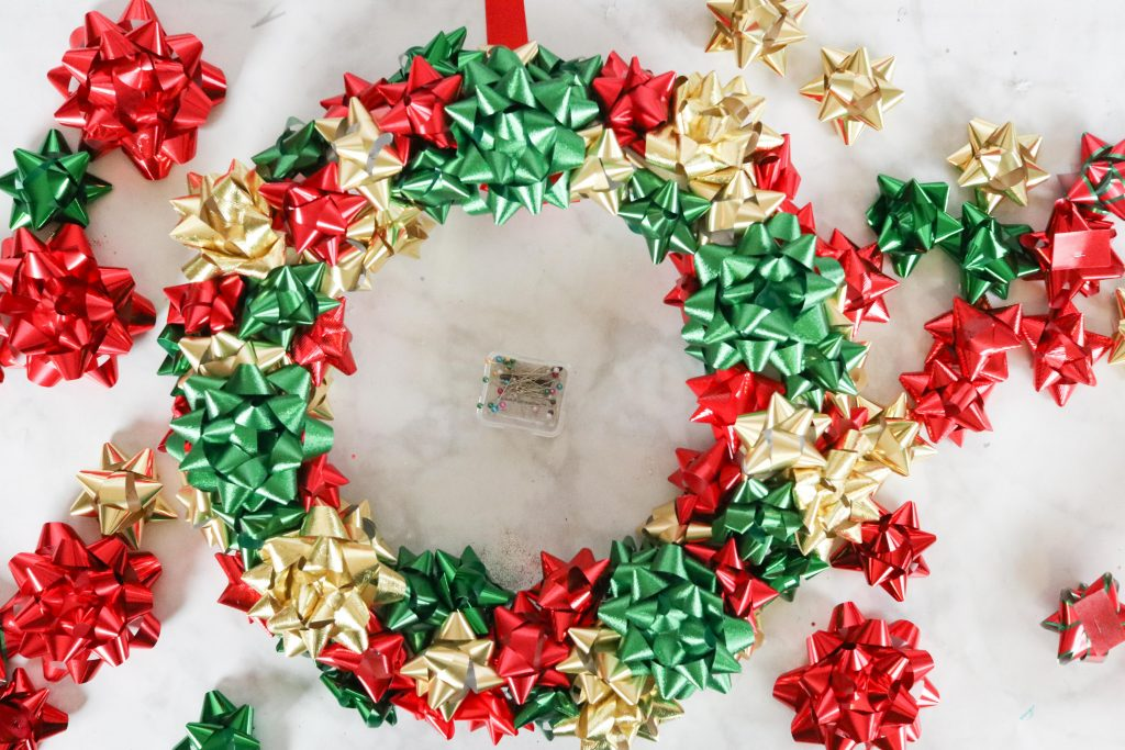 How to Make a Christmas Bow Wreath Easy