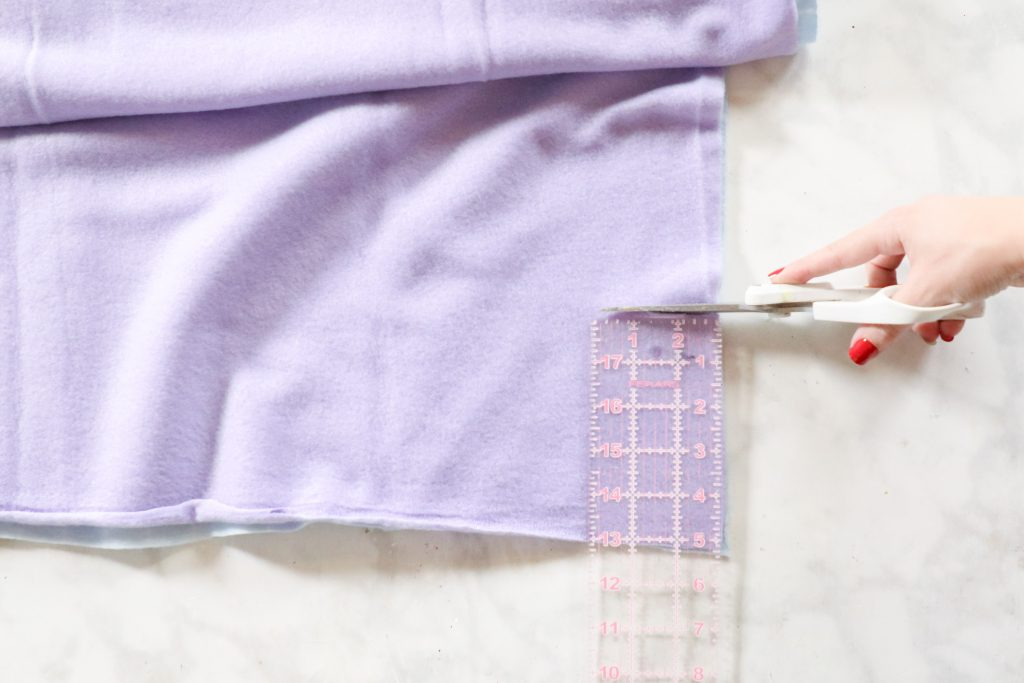 How to make a no sew blanket