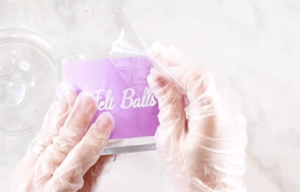 Glass Etching Tutorial: How to Etch Glass with Armour Etch and Cricut Vinyl featured by top US craft blogger, Sweet Red Poppy.