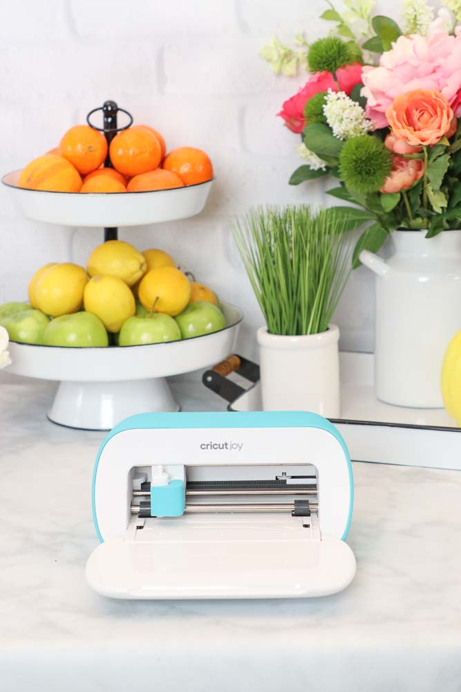 Brand New Cricut Joy Machine reviewed by top US craft blogger, Sweet Red Poppy.