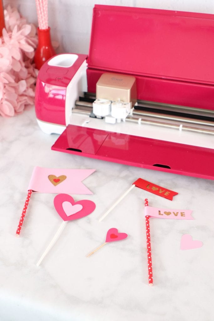 Valentine's day Cricut Ideas