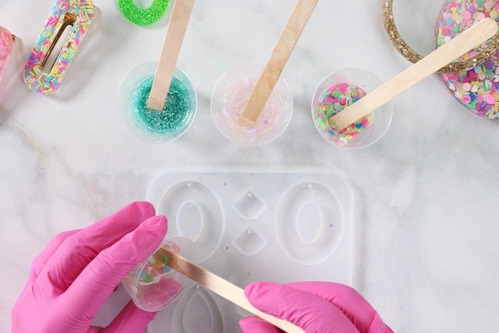 DIY: How to use Epoxy Resin for Beginners, a tutorial featured by top US craft blogger, Sweet Red Poppy.
