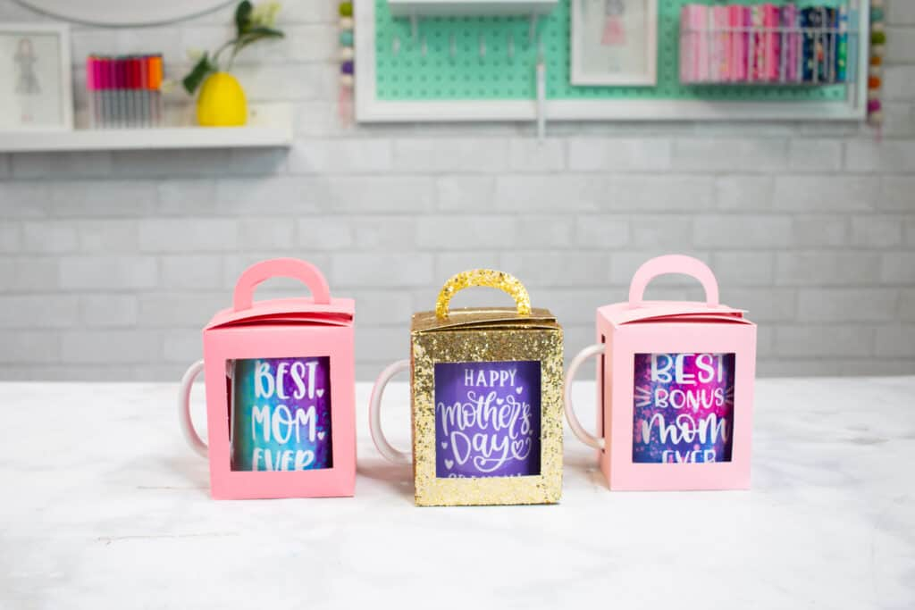 Mother's Day Cricut Mug Gift Boxes |Mother's Day Mug by popular US craft blog, Sweet Red Poppy: image of a Mother's Day mugs in gift boxes.
