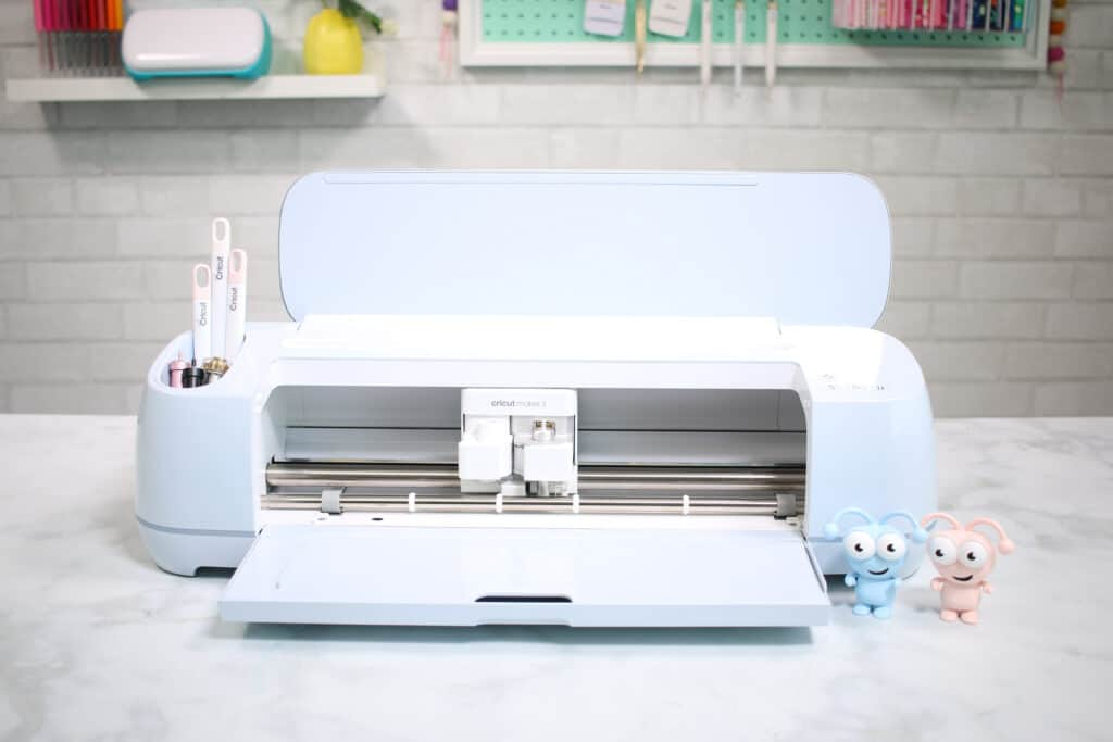 Circut Maker 3 by popular US craft blog, Sweet Red Poppy: image of a Circut Maker 3.