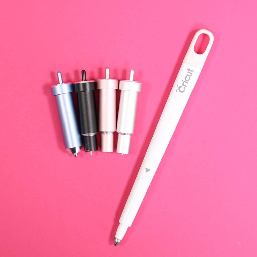 Cricut Explore 3 by popular US craft blog, Sweet Red Poppy: image of a Cricut Explore 3 tools.